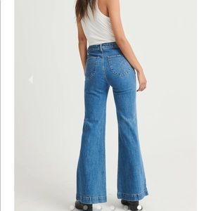 ROLLAS Kick Flare Jeans